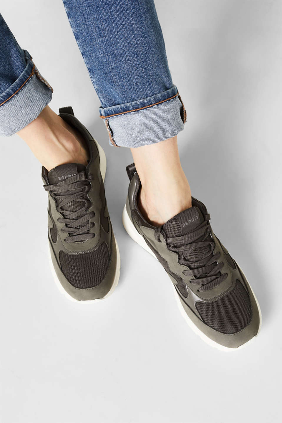 Trainers in a material mix, GUNMETAL, detail image number 3