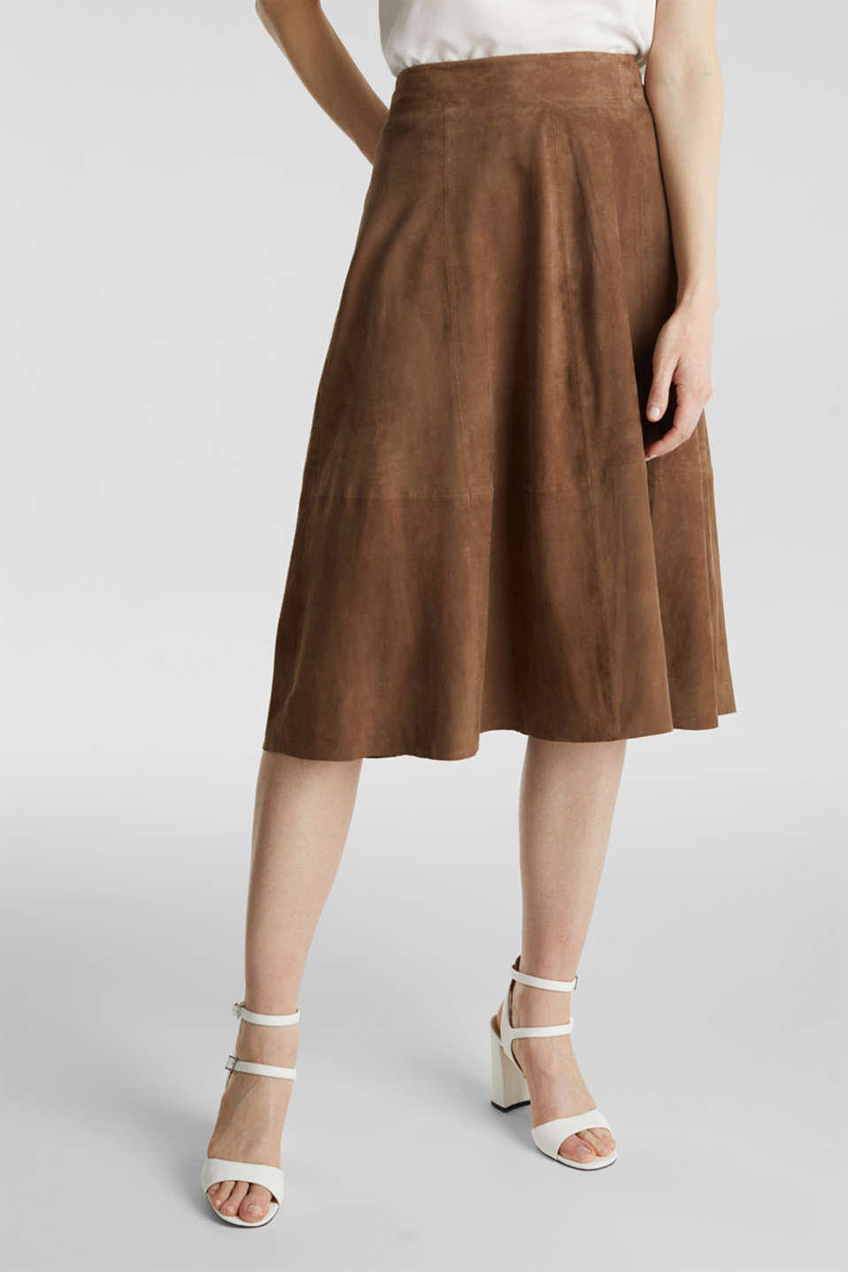 Flared midi skirt made of leather