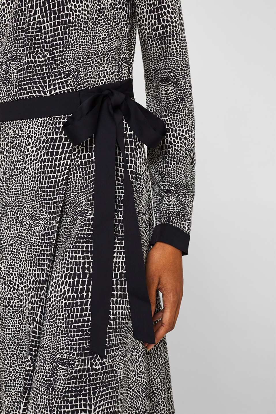 Dress with a snake print in a wrap-over look, OFF WHITE 4, detail image number 3
