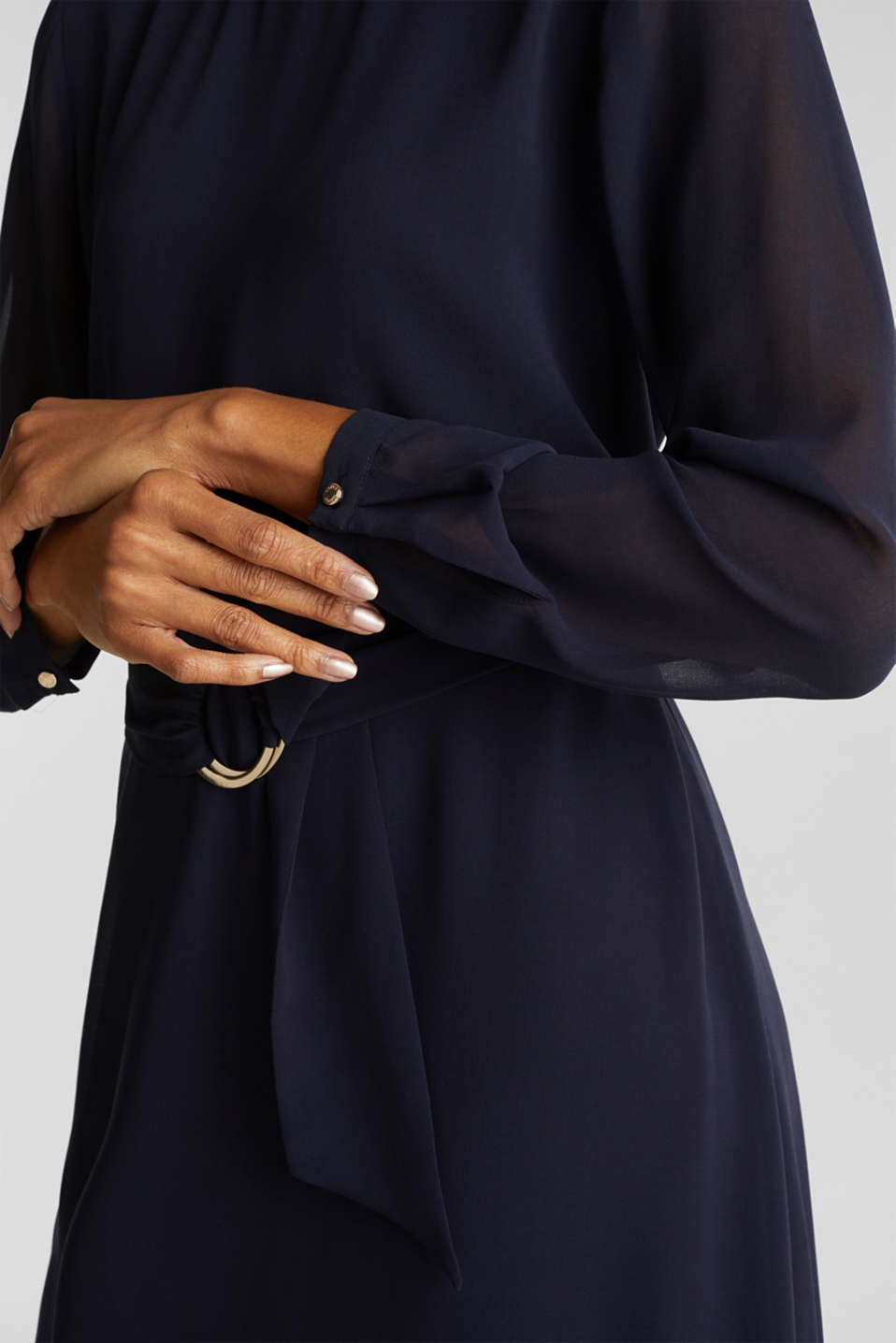 Flowing chiffon dress with a belt, NAVY, detail image number 3