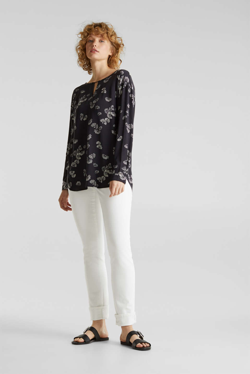 Printed blouse with a decorative metal element, BLACK 3, detail image number 1
