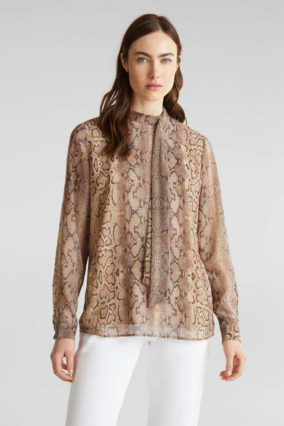 Esprit - Georgette blouse with a pussycat bow