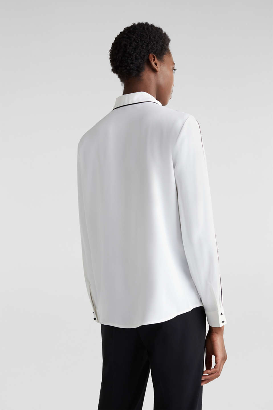 Crêpe blouse with contrast piping, OFF WHITE, detail image number 3