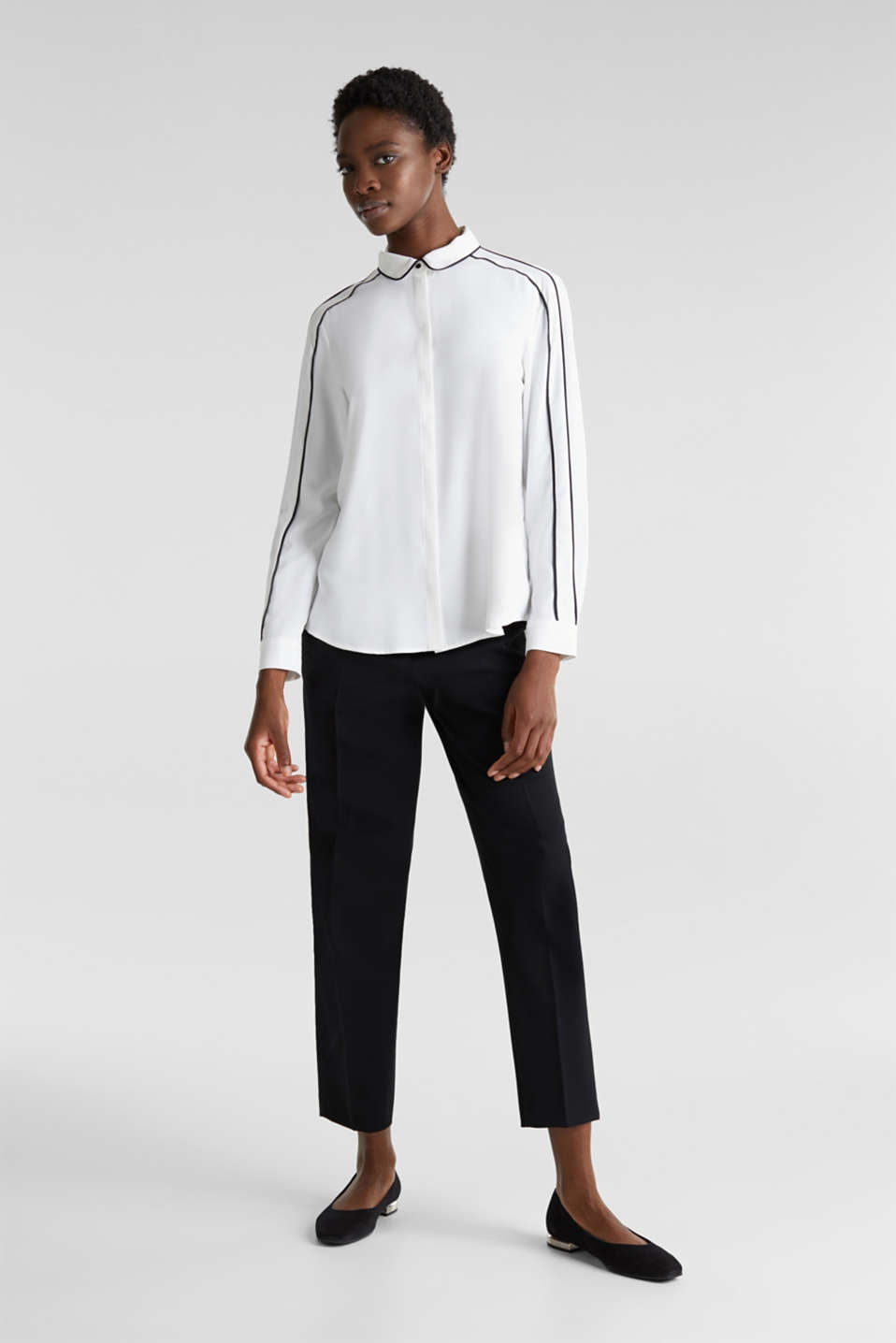 Crêpe blouse with contrast piping, OFF WHITE, detail image number 1