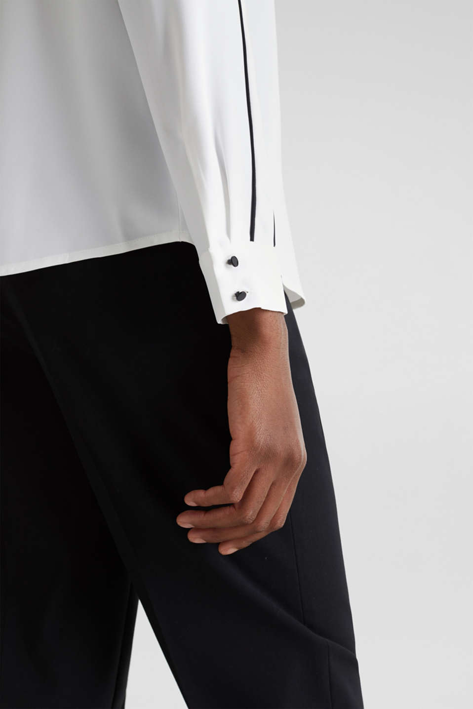 Crêpe blouse with contrast piping, OFF WHITE, detail image number 2