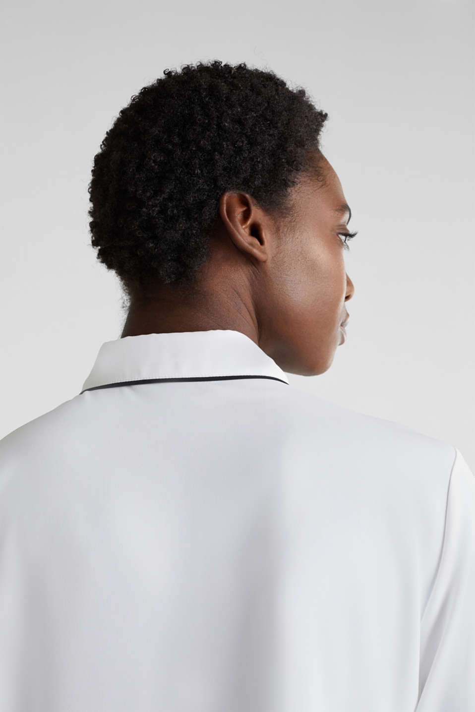 Crêpe blouse with contrast piping, OFF WHITE, detail image number 5