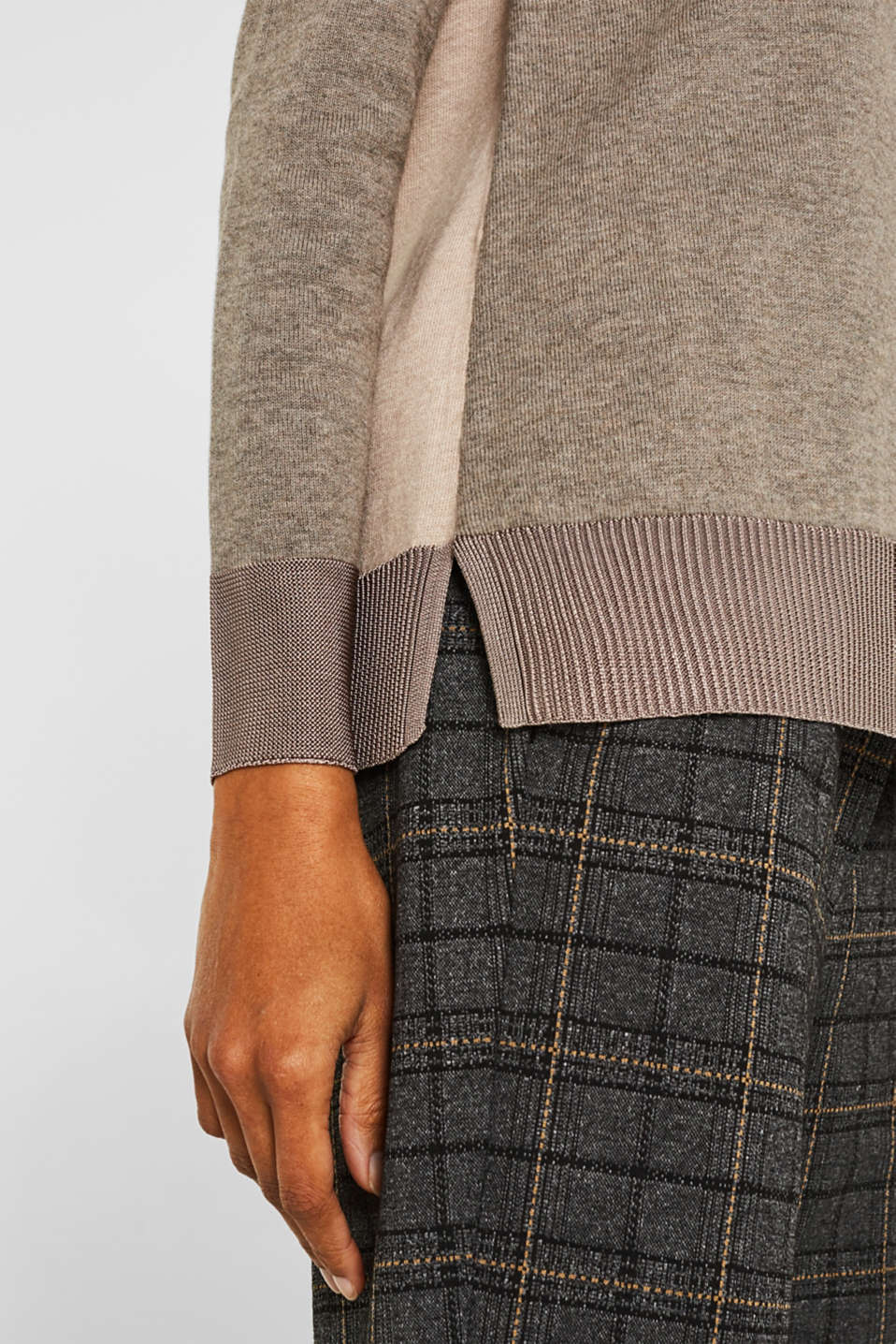 With silk: jumper with shiny details, LIGHT TAUPE 3, detail image number 4