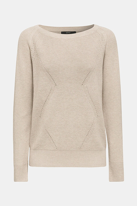 Jumper with a textured pattern