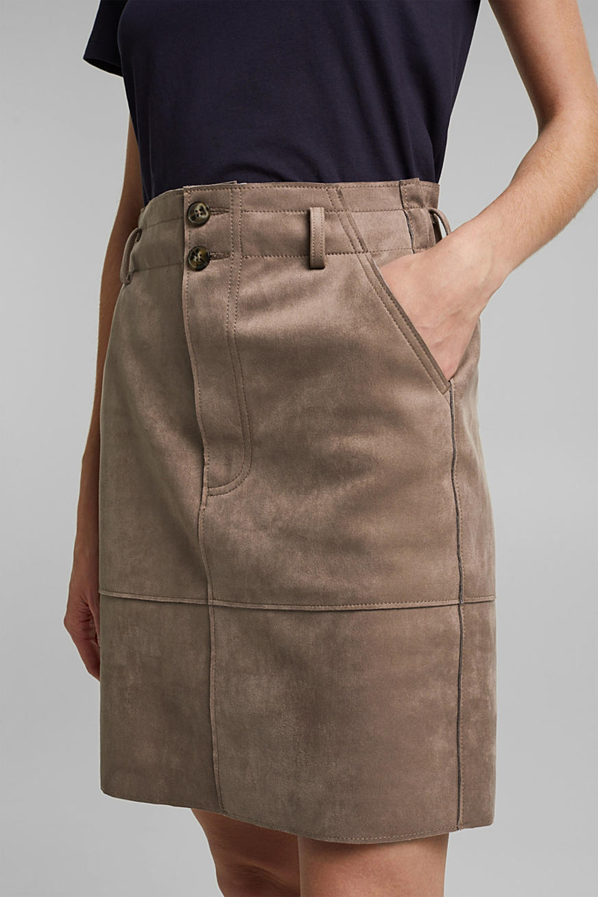 Faux suede skirt with a jersey inner surface