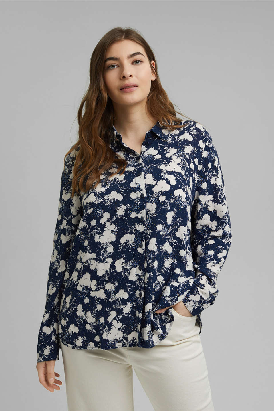 Esprit - CURVY shirt blouse with a floral print