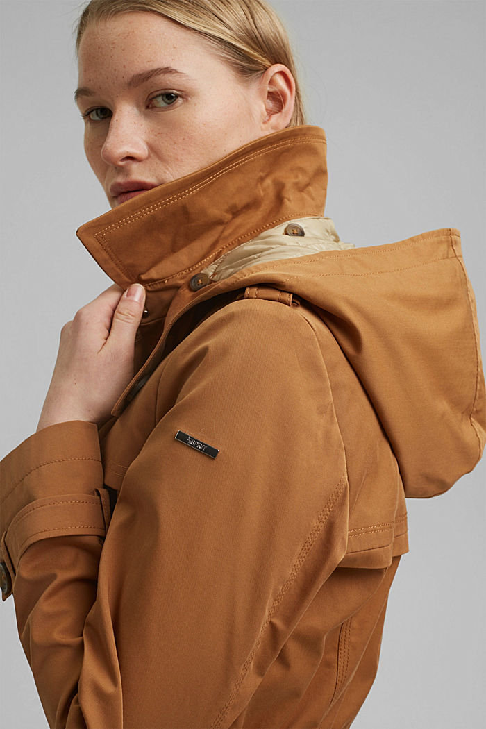 Recycled: Rain jacket with organic cotton