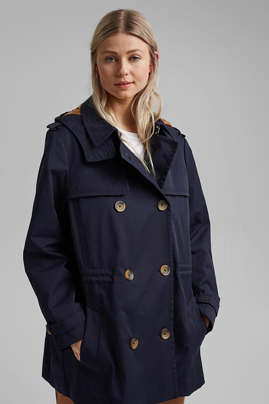 Hooded trench coat made of organic cotton