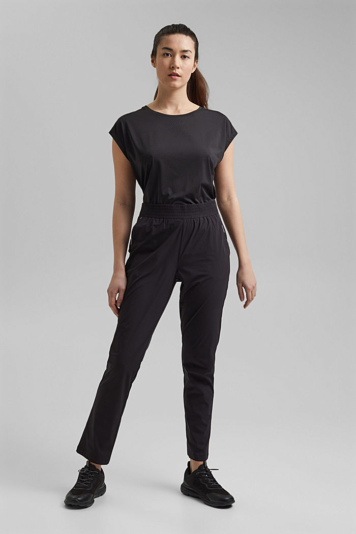 Active trousers with 4-way stretch
