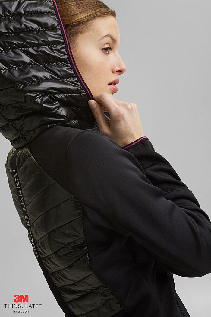 Activewear outdoor jacket featuring 3M™ Thinsulate™