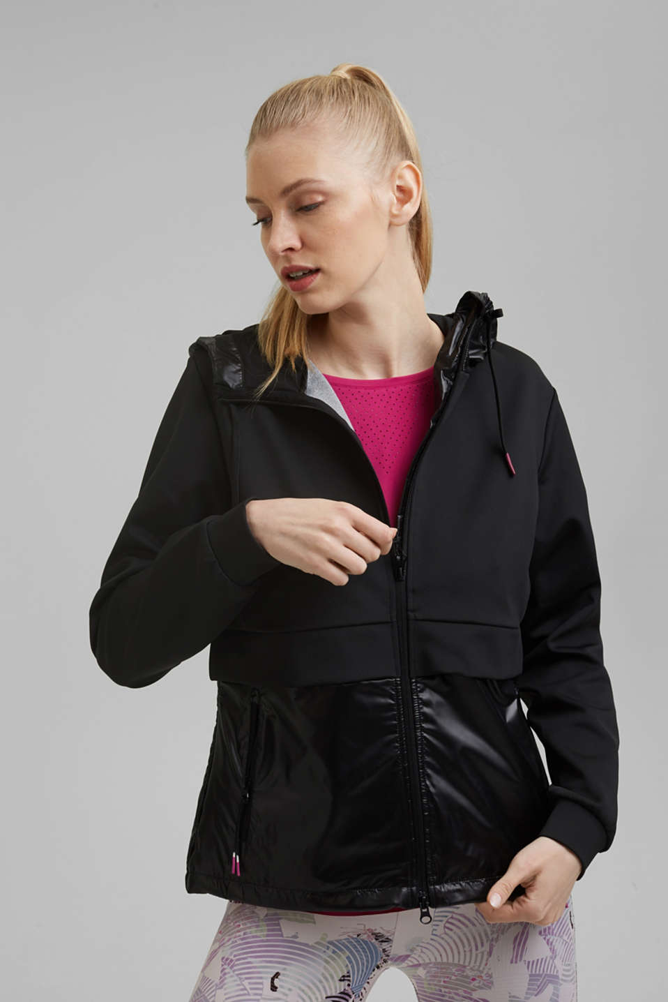Esprit - Active outdoor jacket in a mix of materials