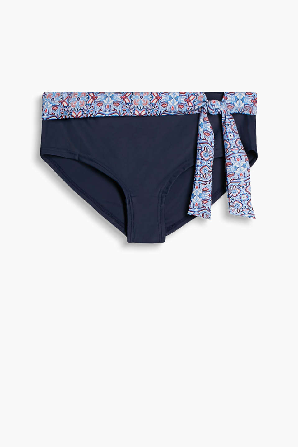 Collection: LEMON BEACH - shorts with a patterned turn-down waistband and bow