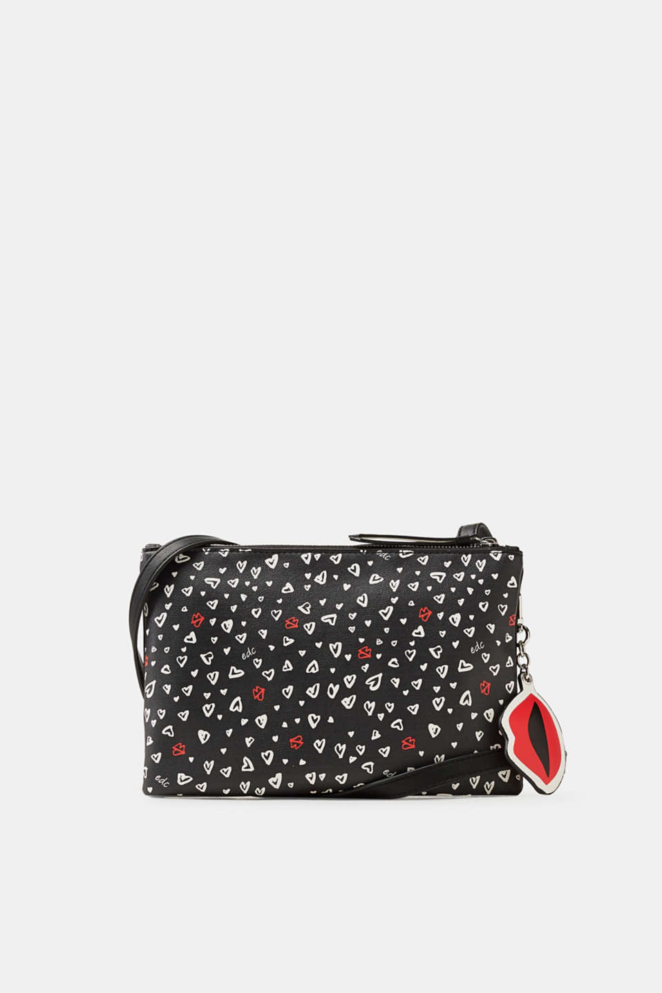 Printed hearts and a lip pendant: this faux leather shoulder bag impresses with a charming print.
