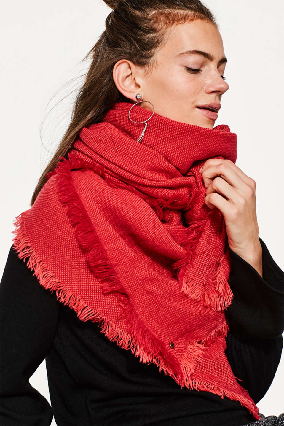 Soft scarf with two-tone texture