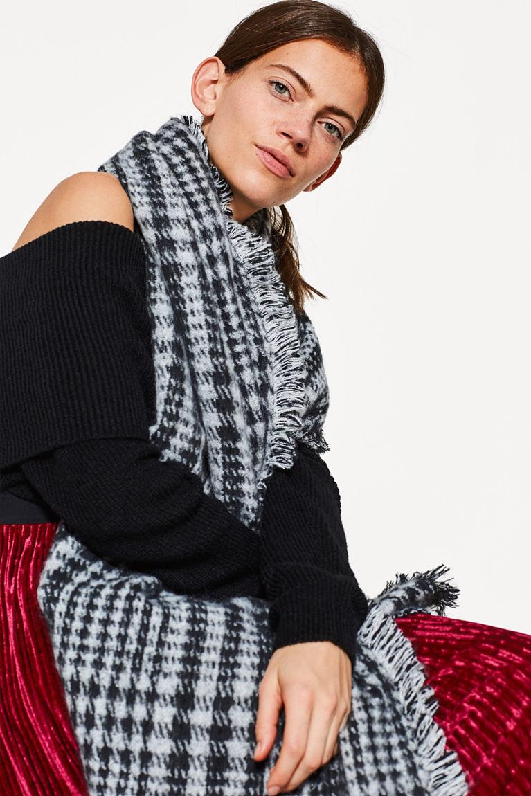 Flauschiger Hahnentritt-Schal