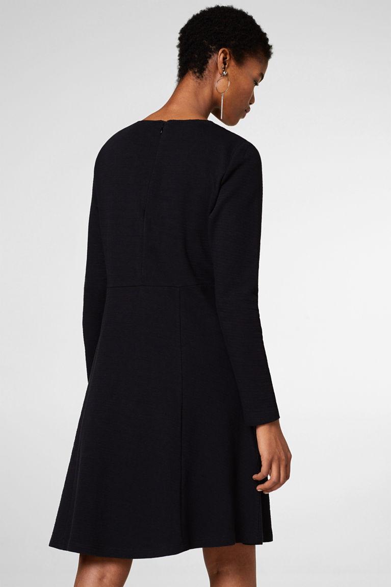 Ausgestelltes Kleid aus Jersey