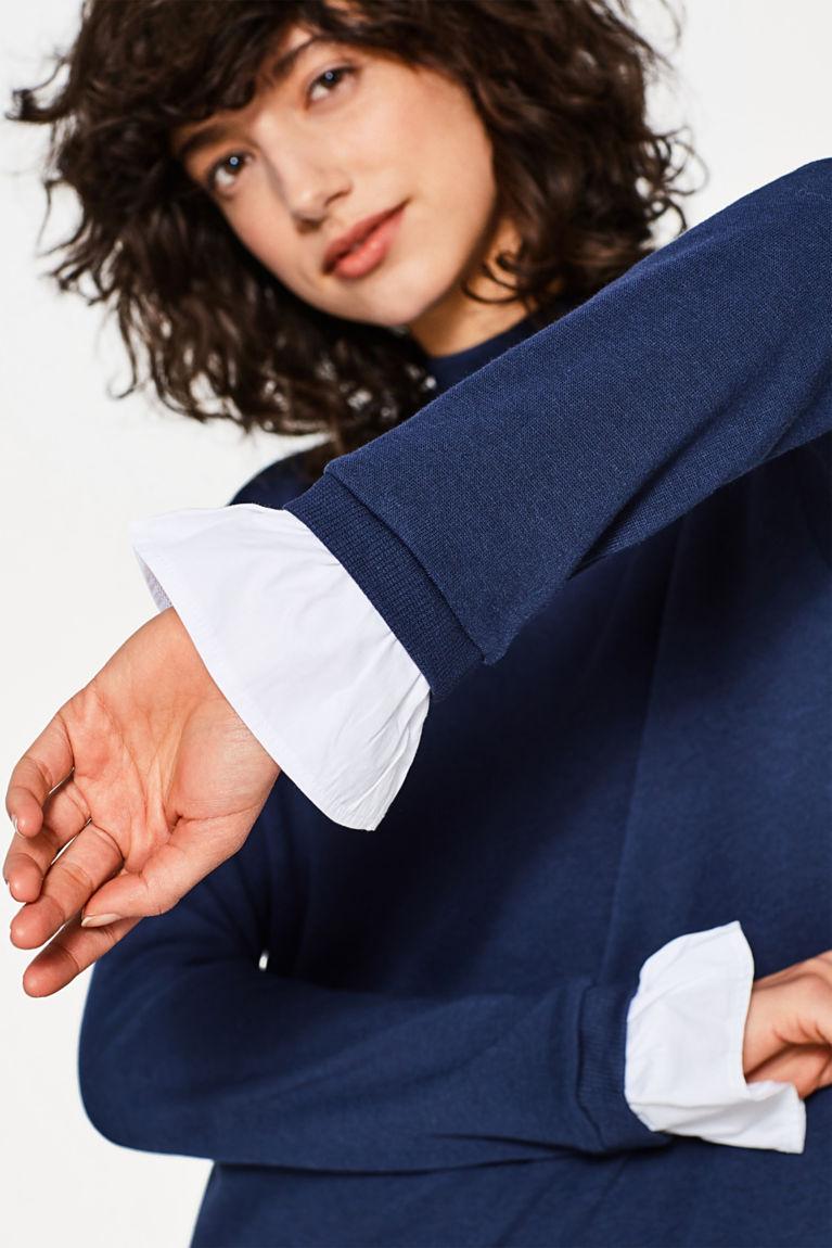 Layer-Kleid im sportiven Look