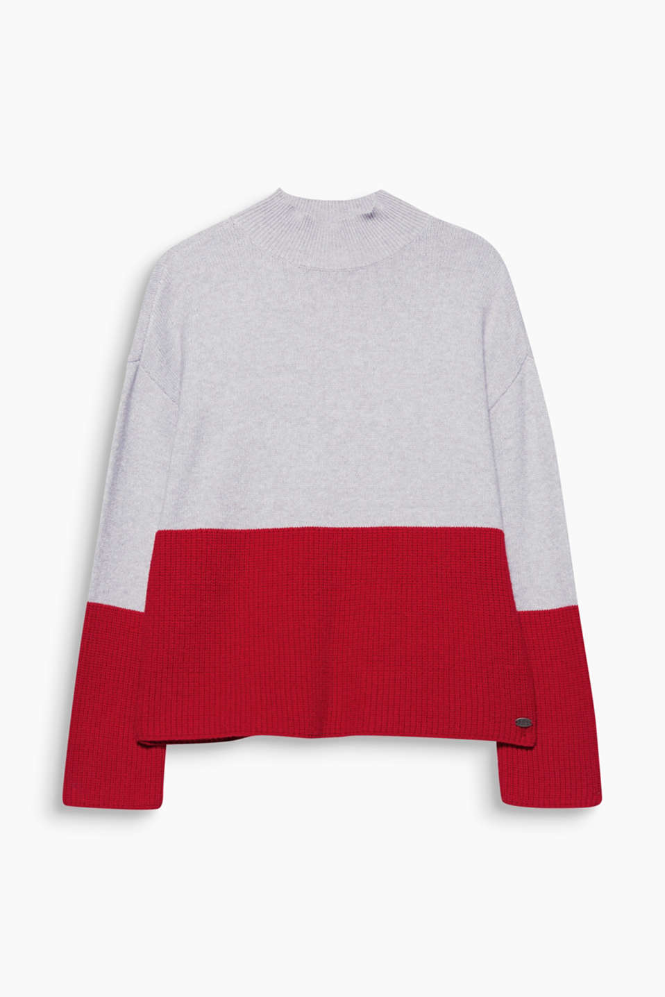 This boxy short jumper in fine and rib knit with colour block details features fashionable accents!