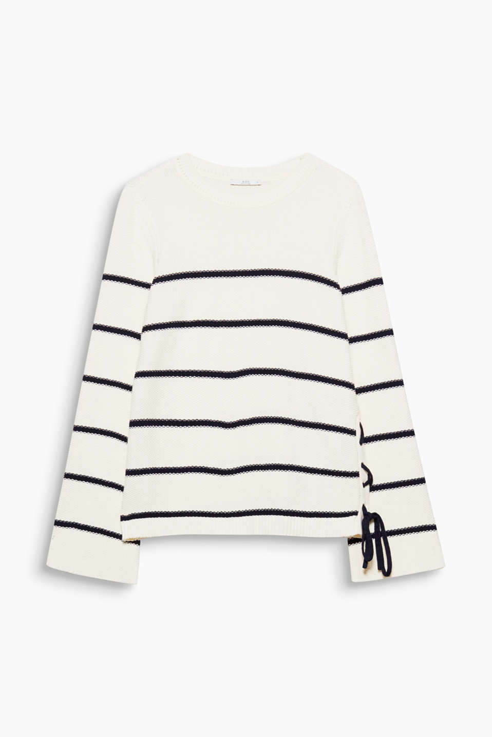 Striking textured yarn, nautical stripes and cool lacing join forces on this jumper.