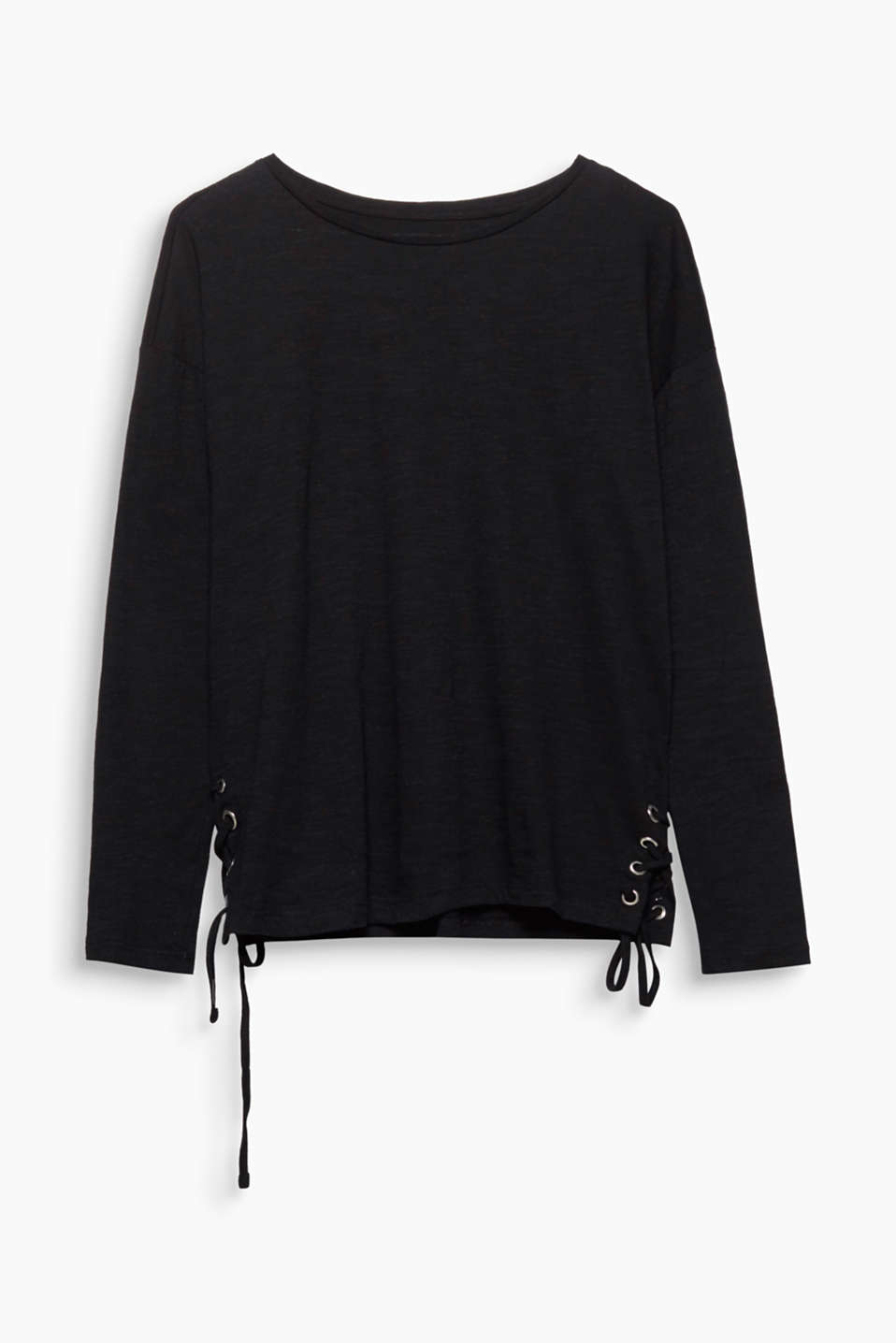 This airy slub jersey top features eye-catching lacing effects on the sides.