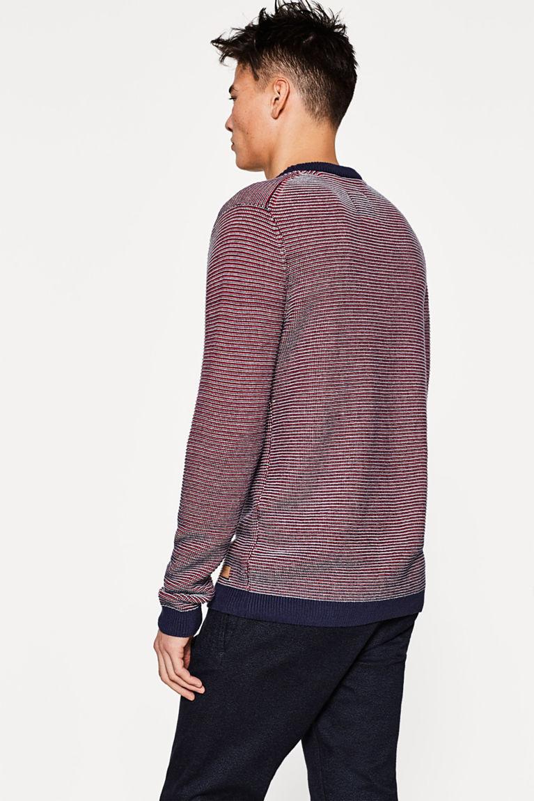 Mehrfarbiger Sweater aus Strick