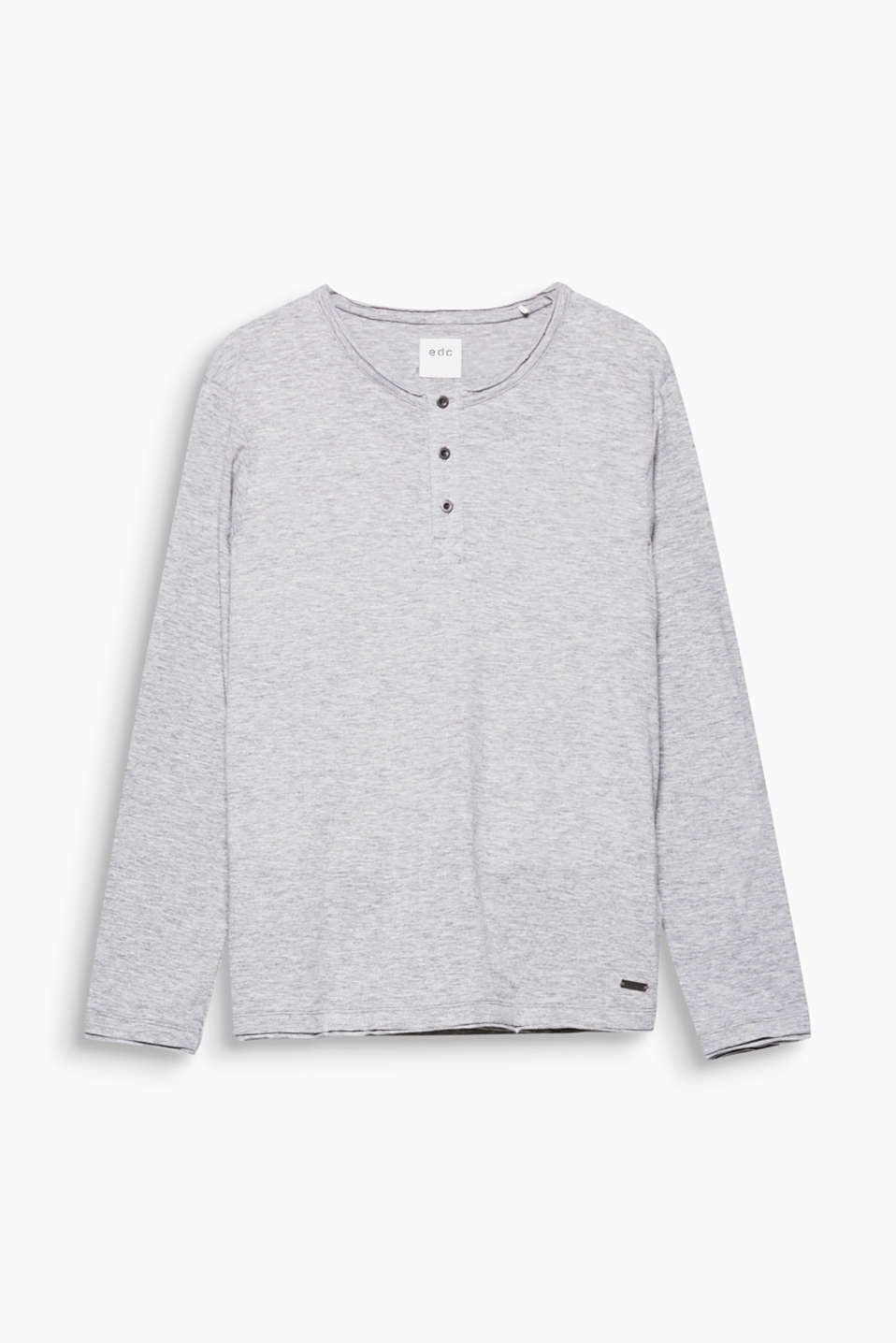 The slub texture gives this long sleeve Henley top in pure cotton its super cool look.