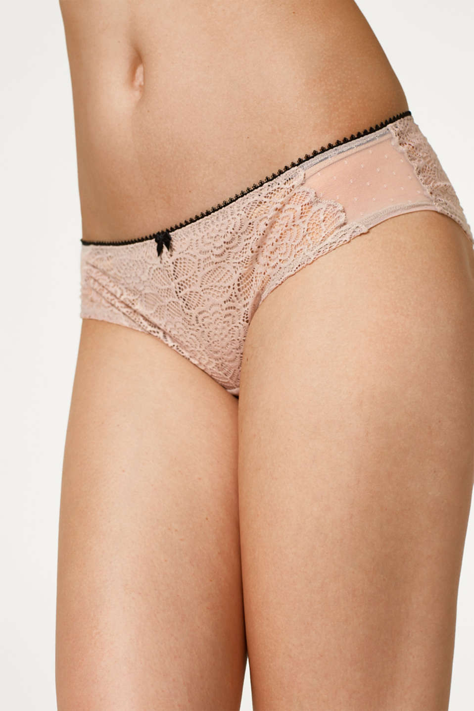 Hipster shorts in lace and tulle