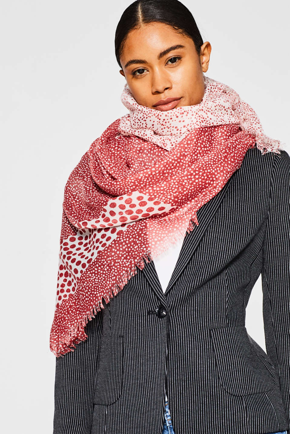 Fine woven scarf with polka dot print