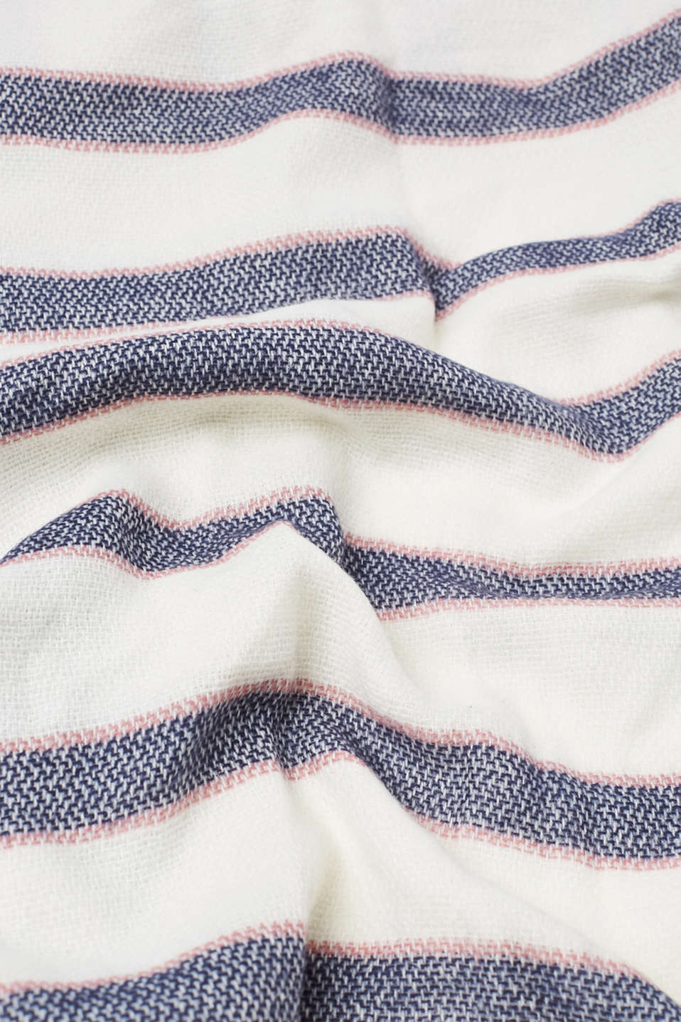 Soft woven scarf with stripes