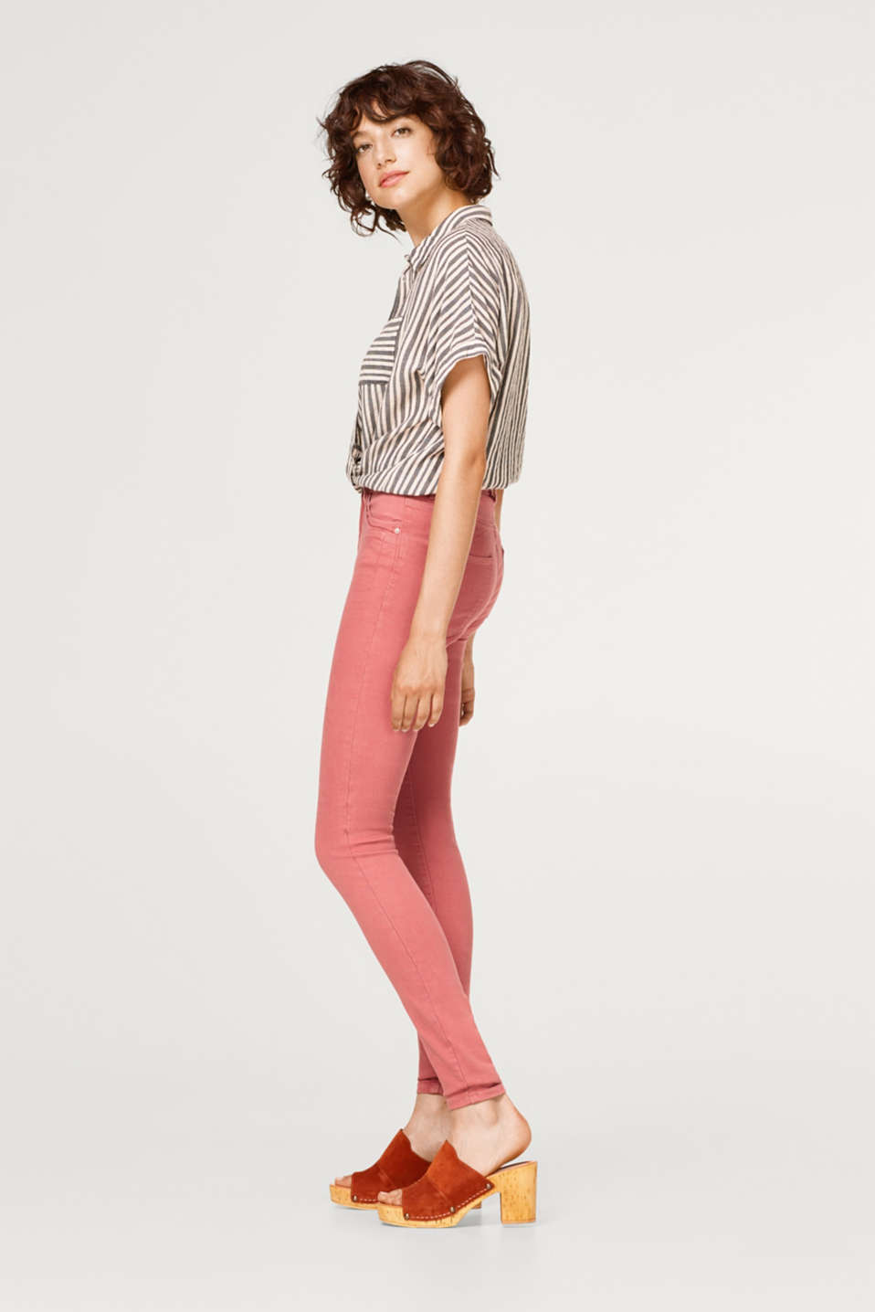 Super stretch jeans with embellished pockets