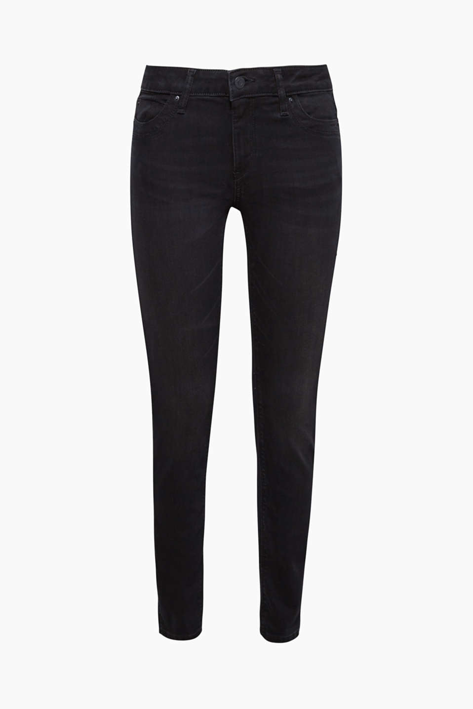 These black, narrow cut stretch jeans are partially finished in recycled material!