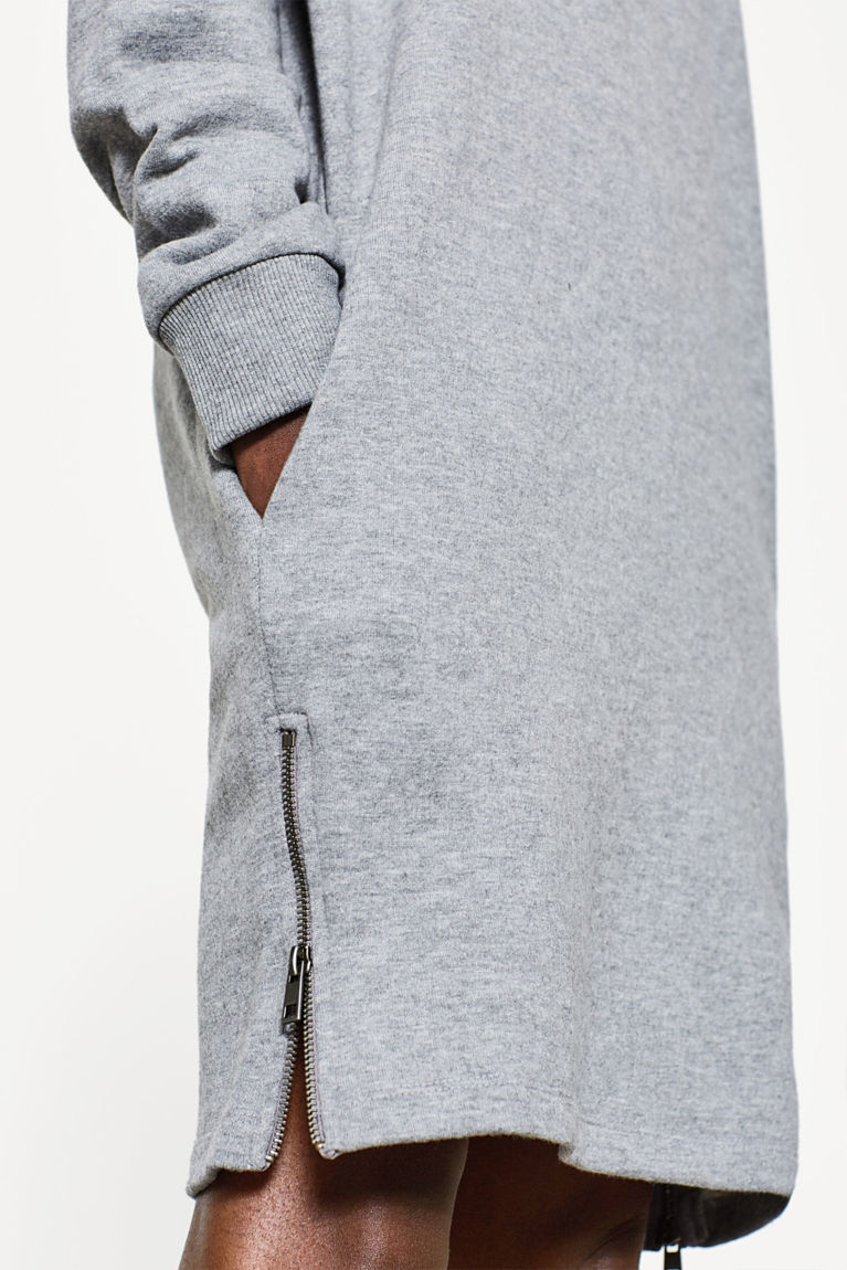 Weiches Sweat-Kleid mit Flockprint
