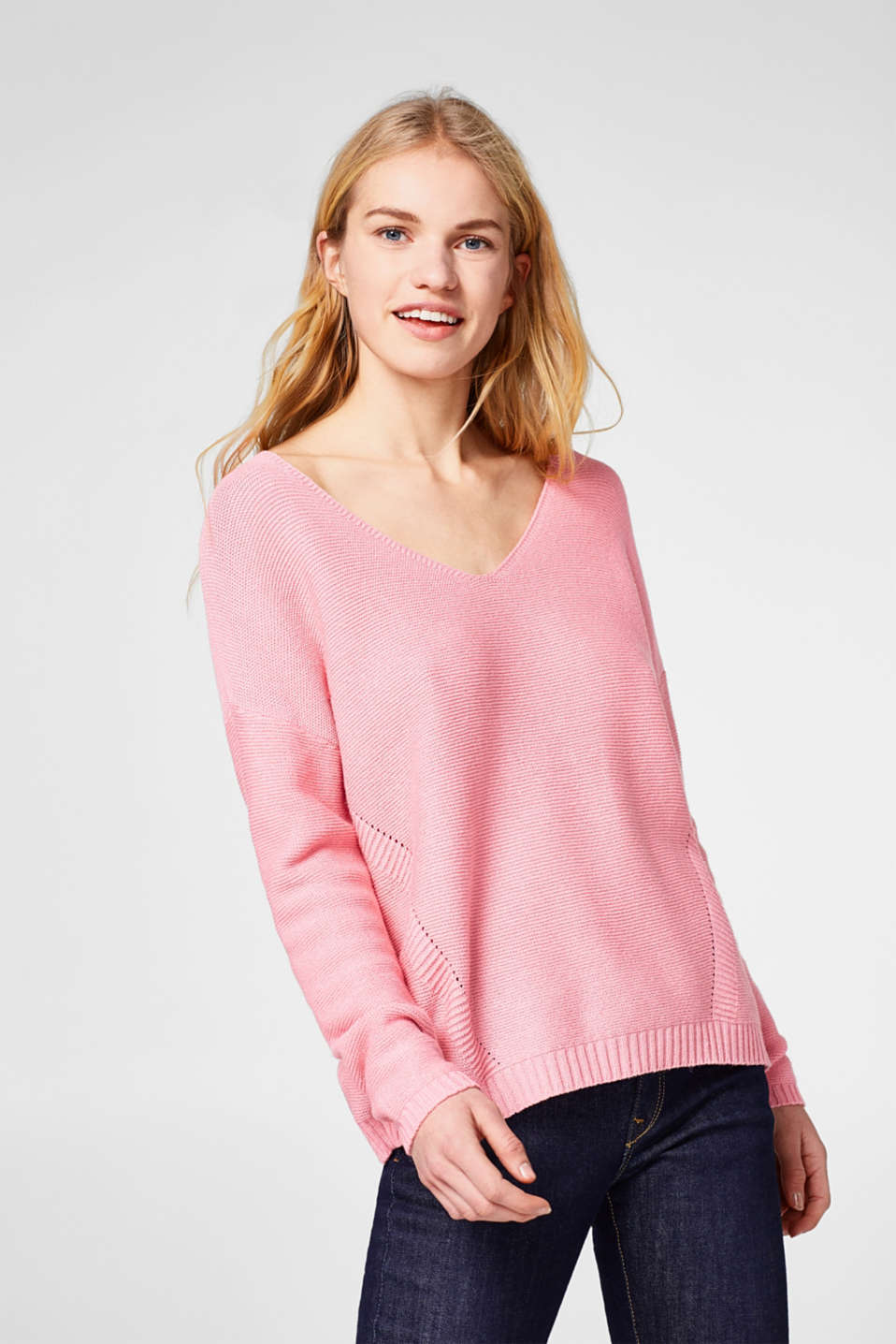 Esprit - Textured jumper with a beautiful V-neck