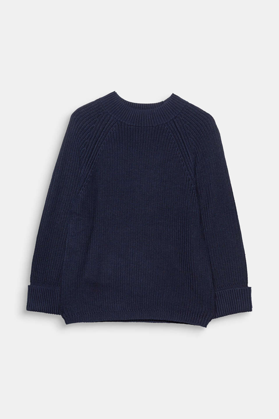 A classic with a new twist: robust turtleneck jumper knitted in half cardigan stitch with cropped roll-up sleeves!