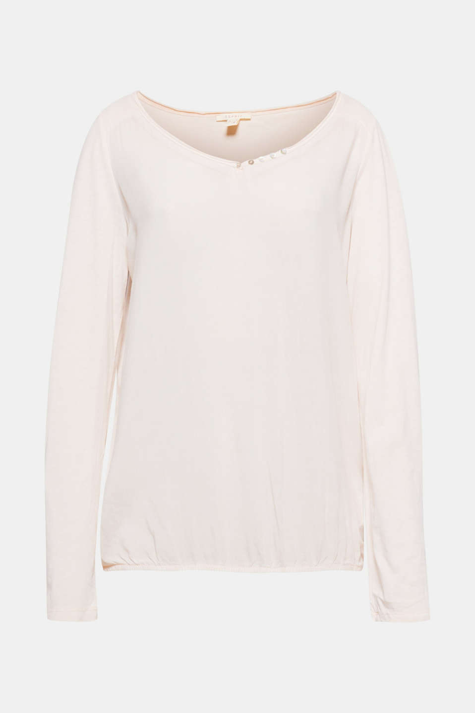 The trendy garment wash, the fashionable material mix and attractive details make this long sleeve top a must-have!