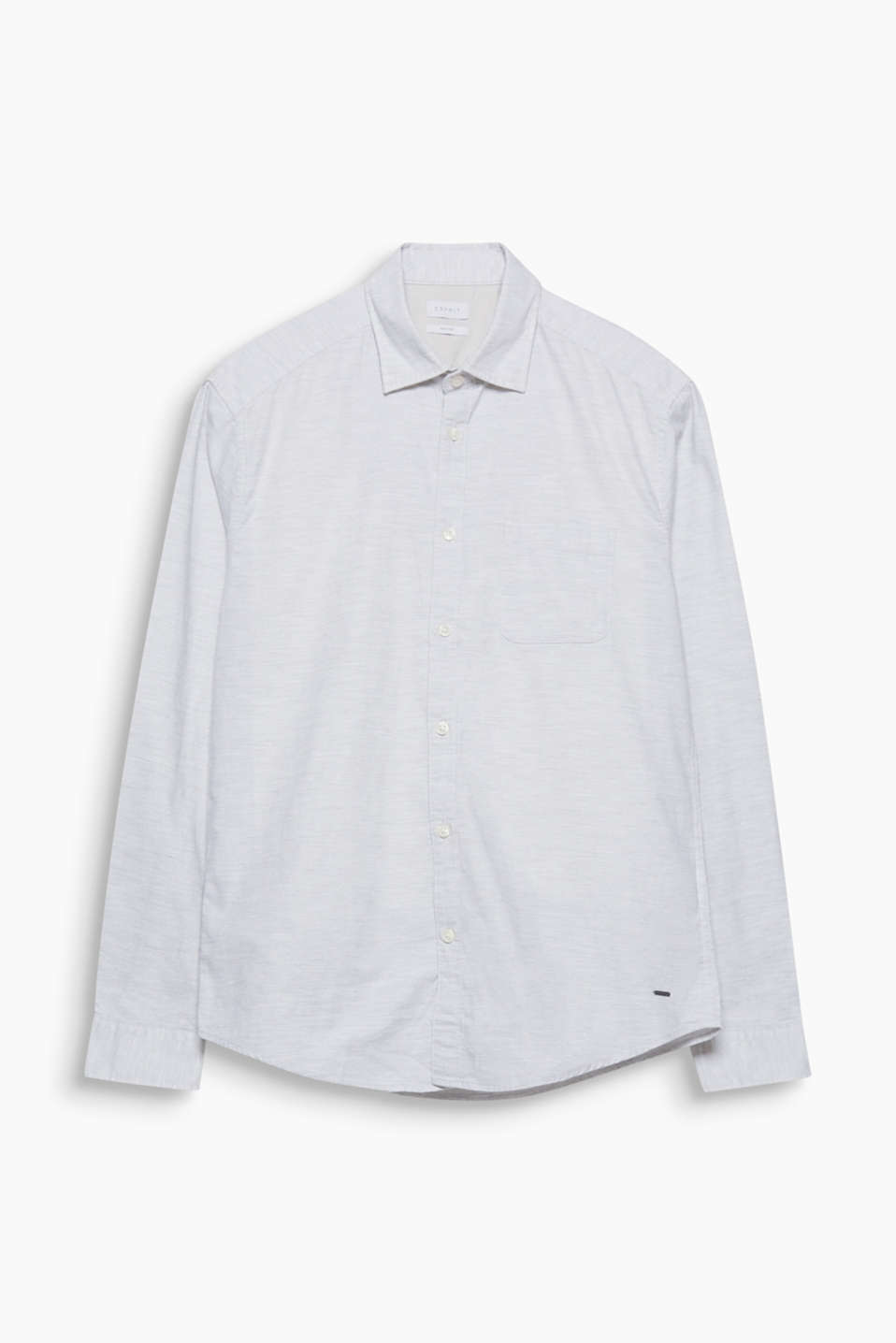 The striking cotton fabric with a slub texture gives this shirt a casual appeal.