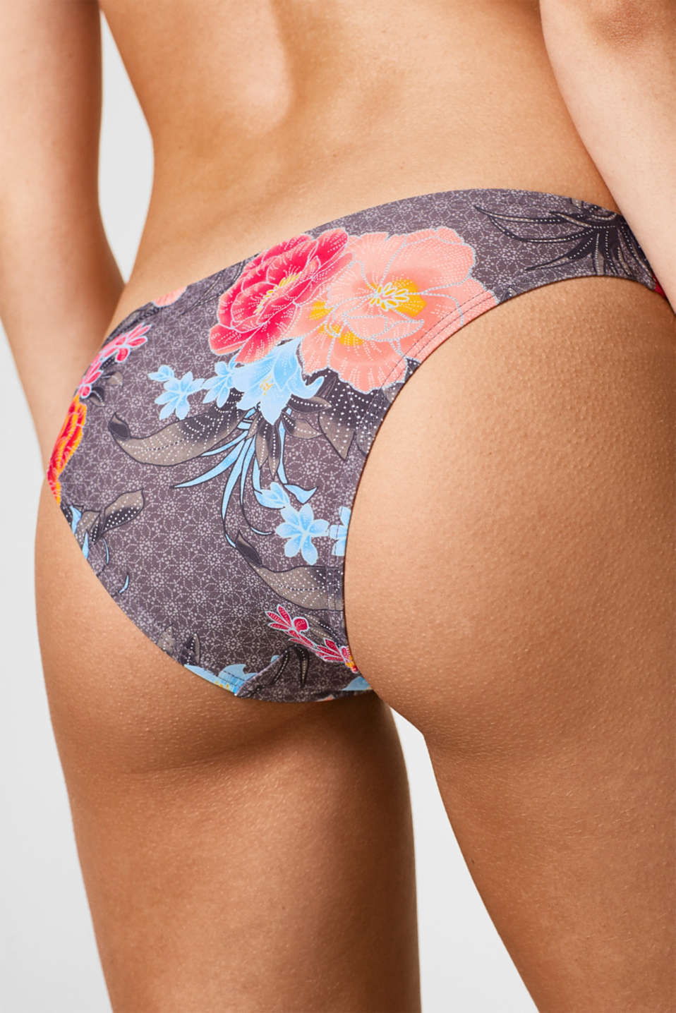 Close-fitting briefs with colourful floral print