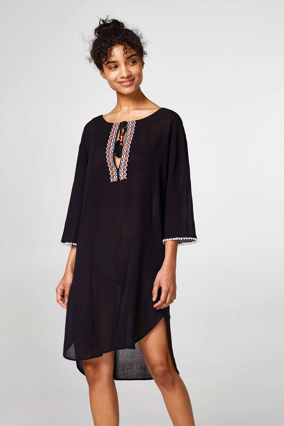 Esprit - Light crinkle tunic with colourful embroidery