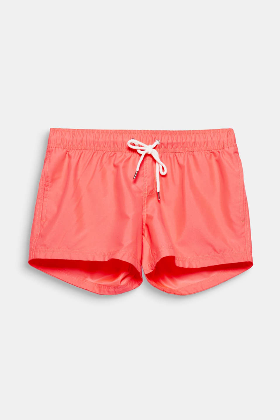 These simple shorts with an elasticated waistband and side slit pockets are perfect for time off and holidays!