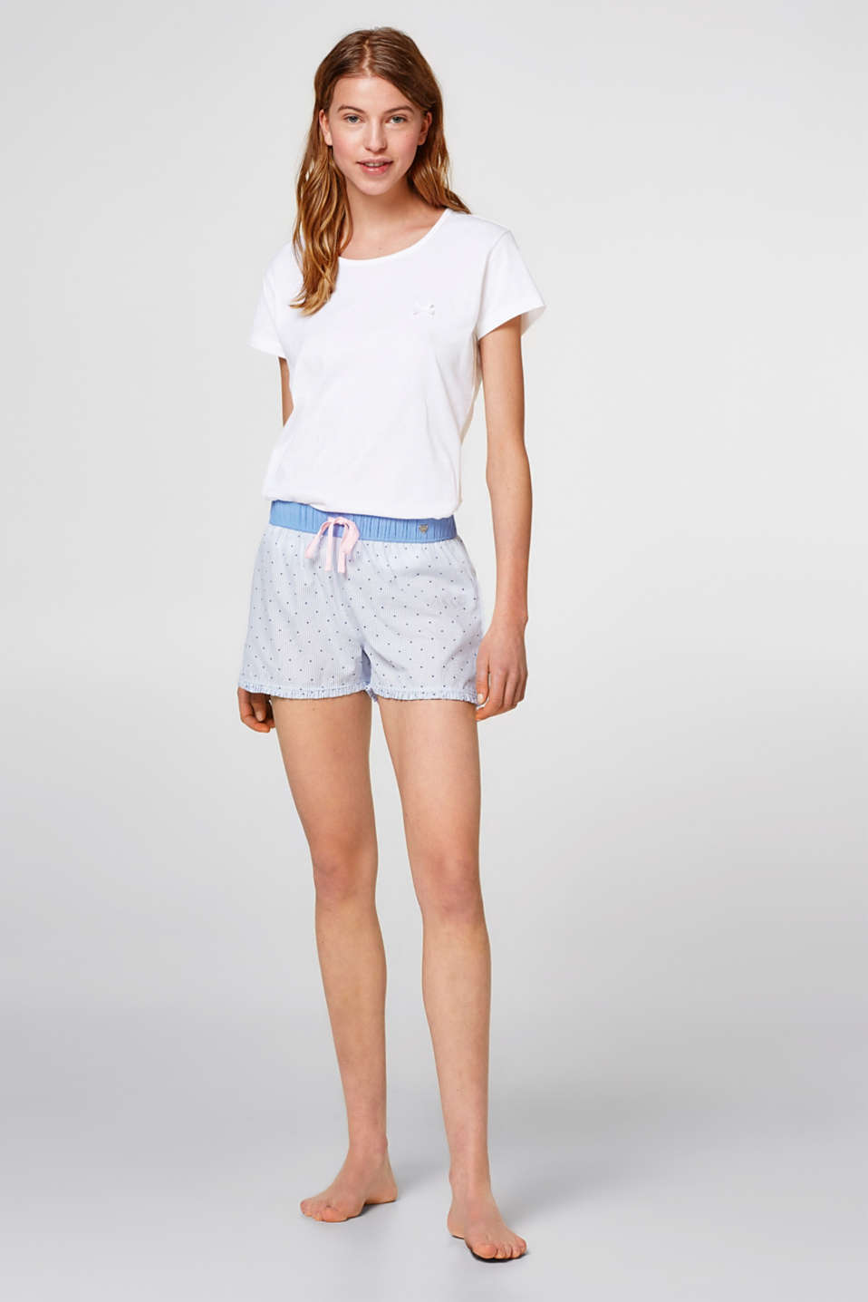 Esprit - Woven shorts with chalk stripes