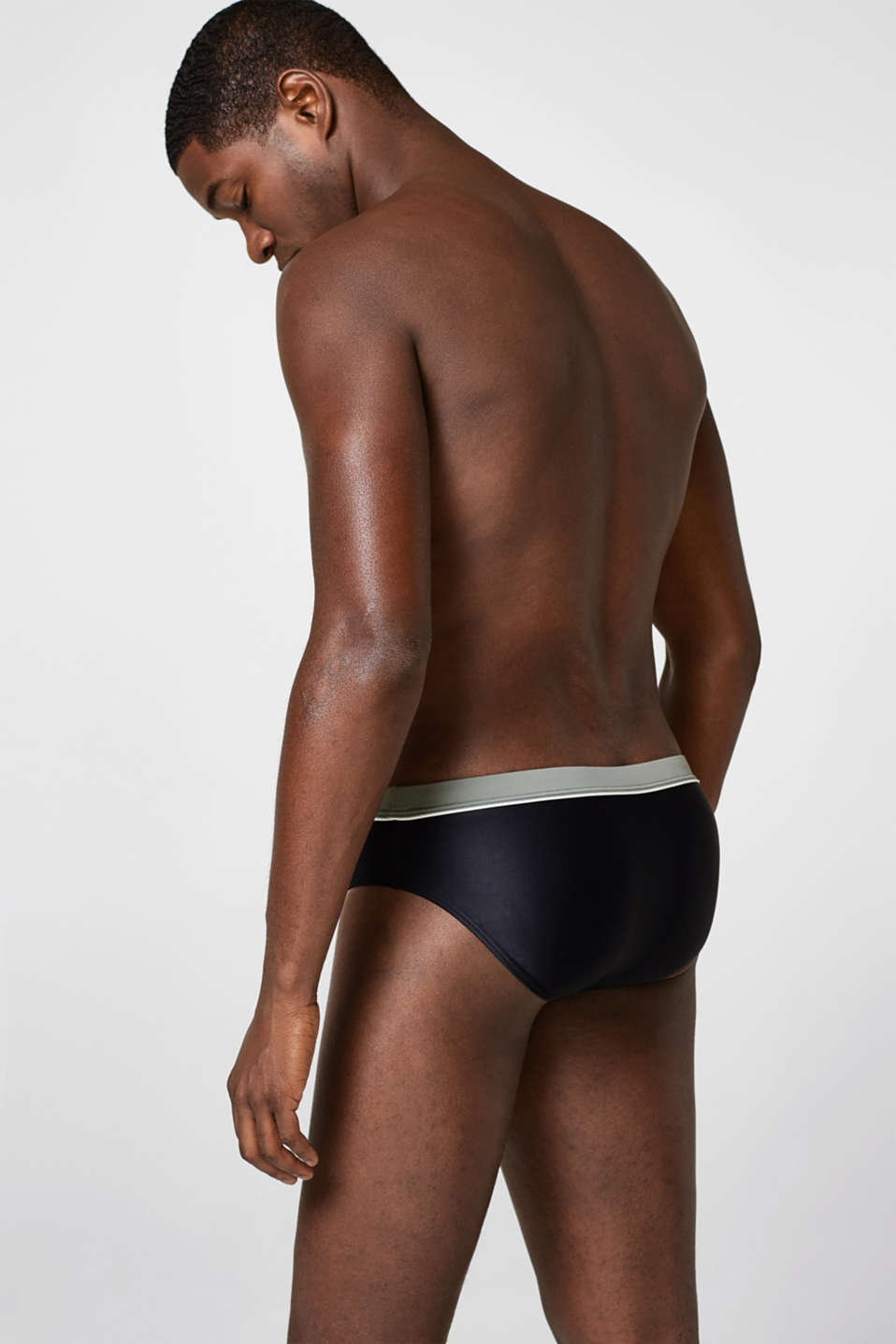 Swimming trunks + contrasting waistband