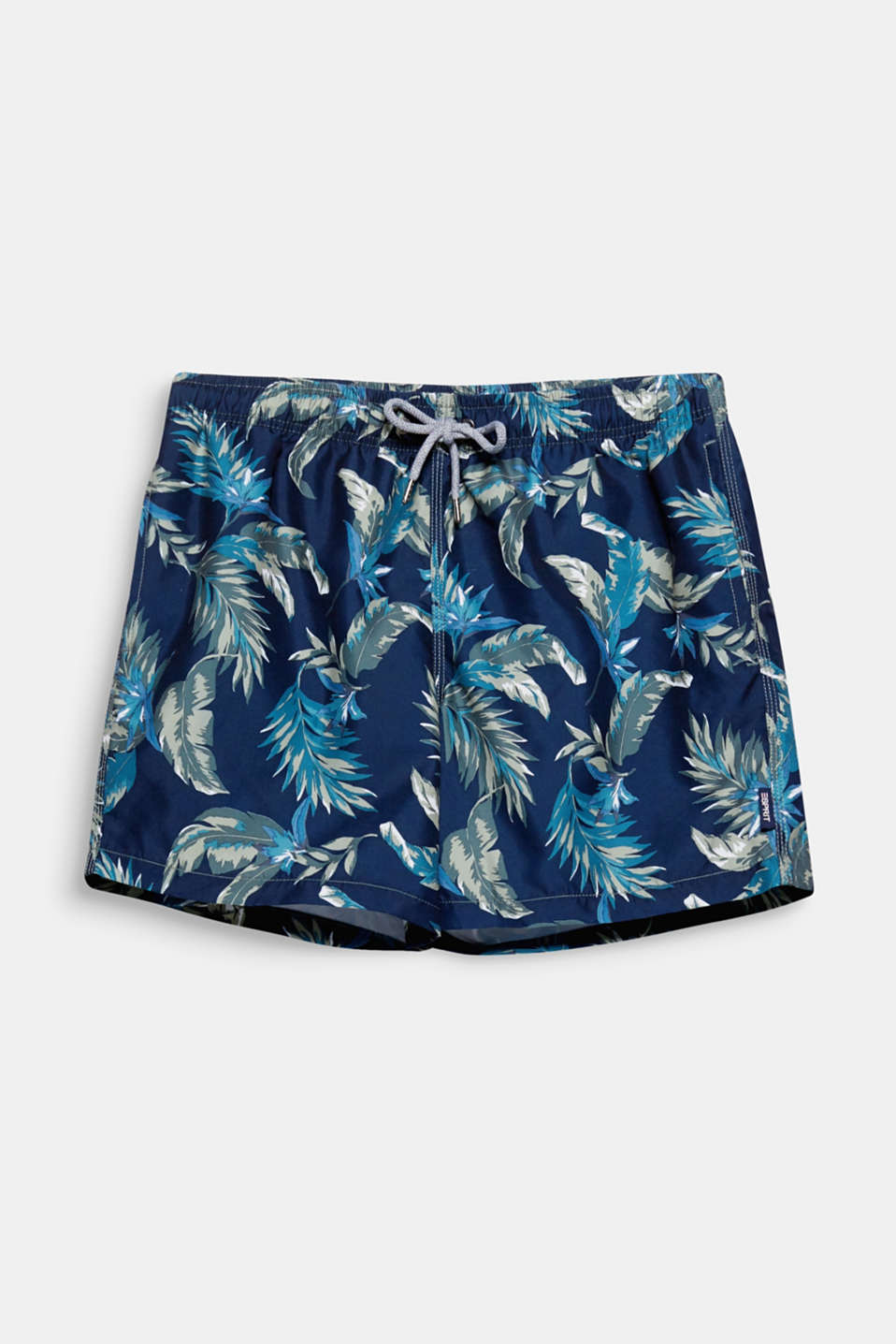 The distinctive leaf print on these casual swim shorts signalises summer and adventure!