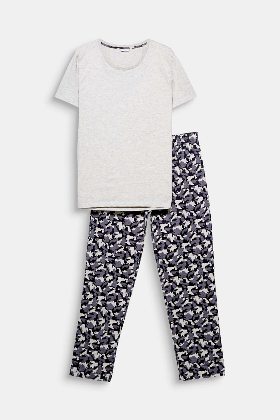 These lightweight jersey pyjamas with casual camouflage bottoms combine comfort and a cool style!