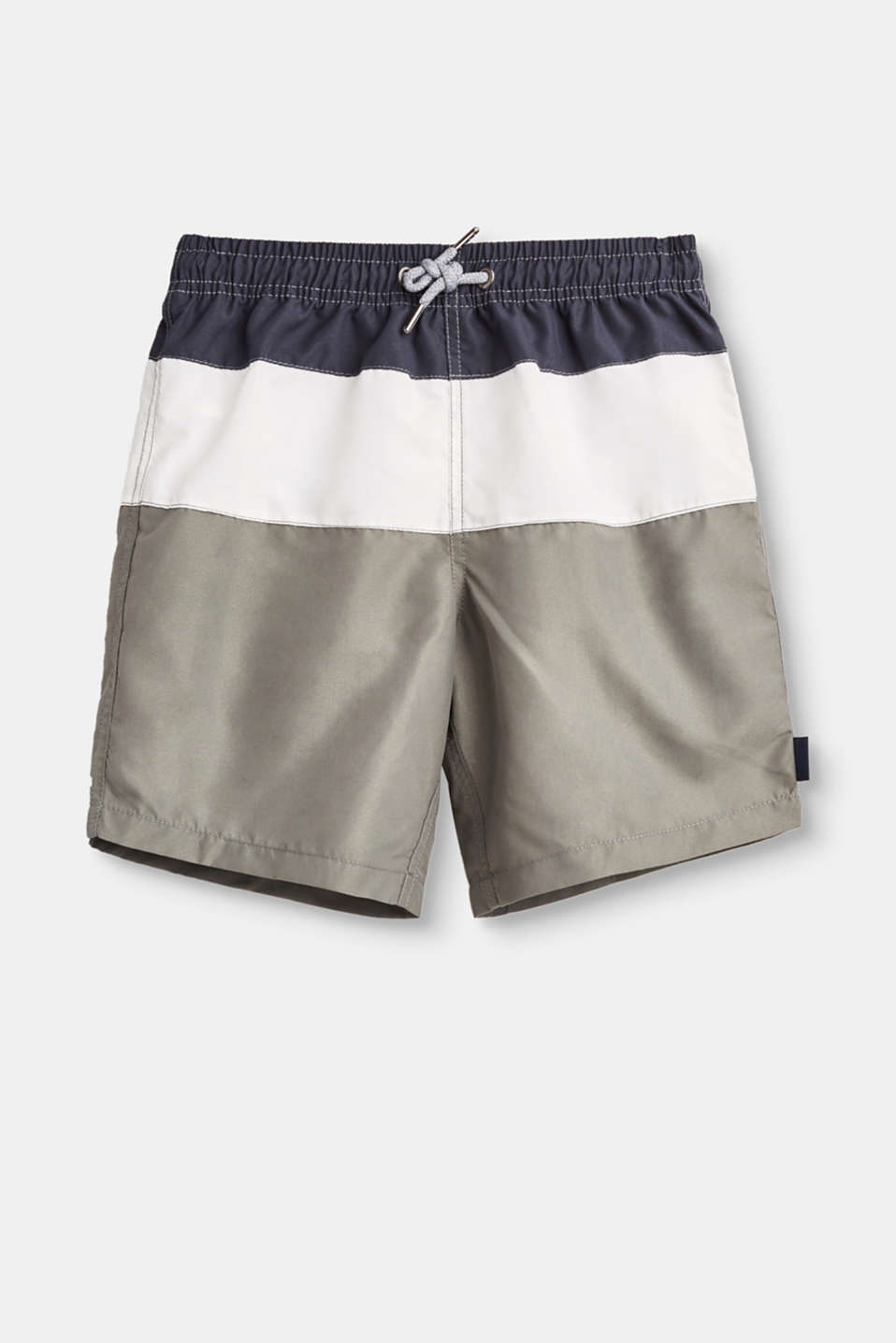 Let`s go swimming! The large blocks of colour give these cool swim shorts their fresh look!