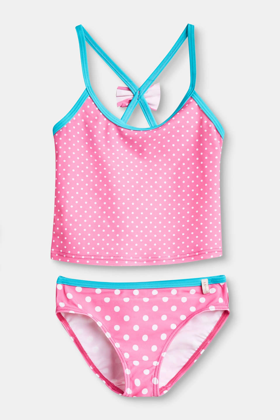 A true polka dot highlight! This tankini is a sweet head-turner thanks to the fresh polka dot print.
