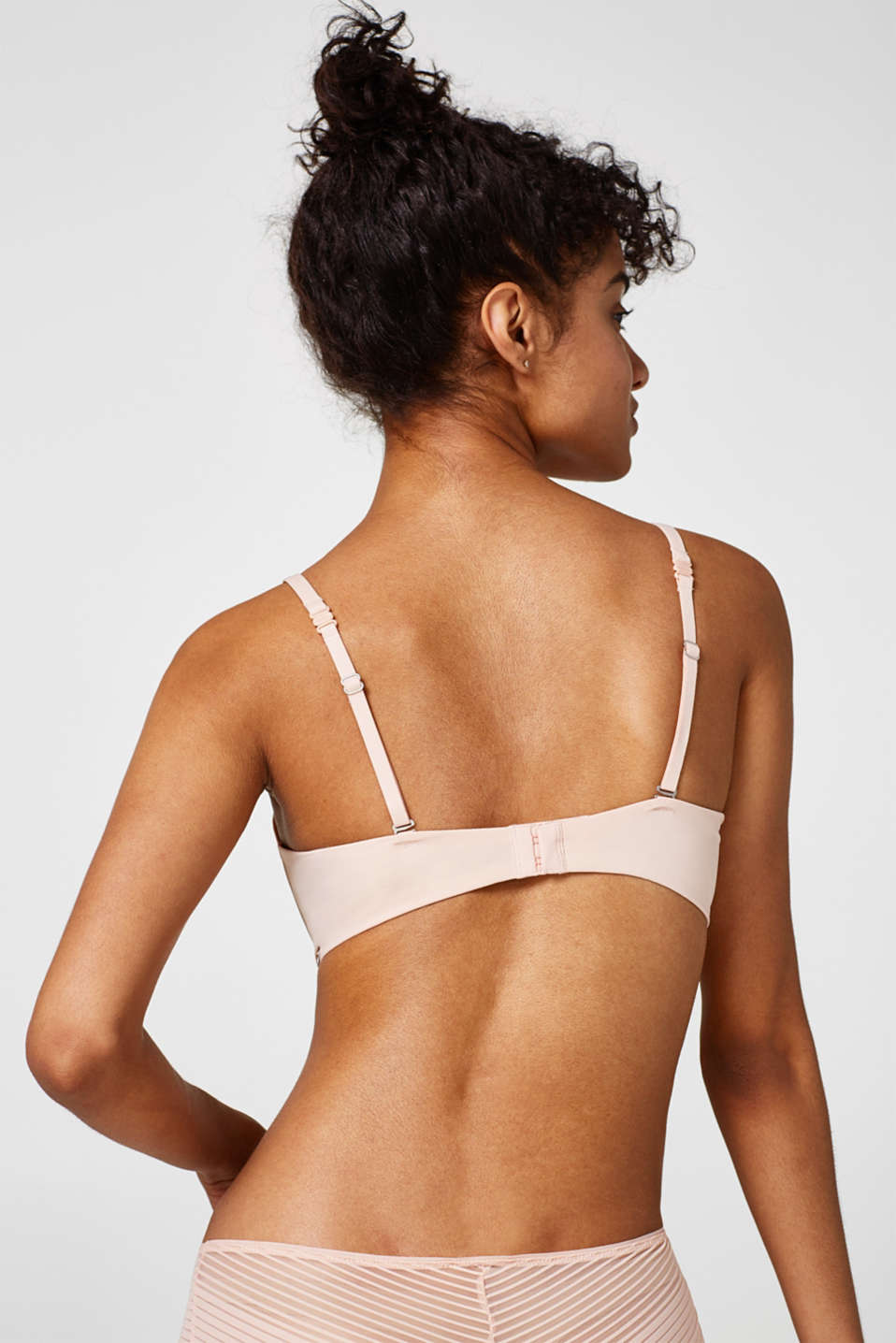 NYE push-up bra with multi-way straps